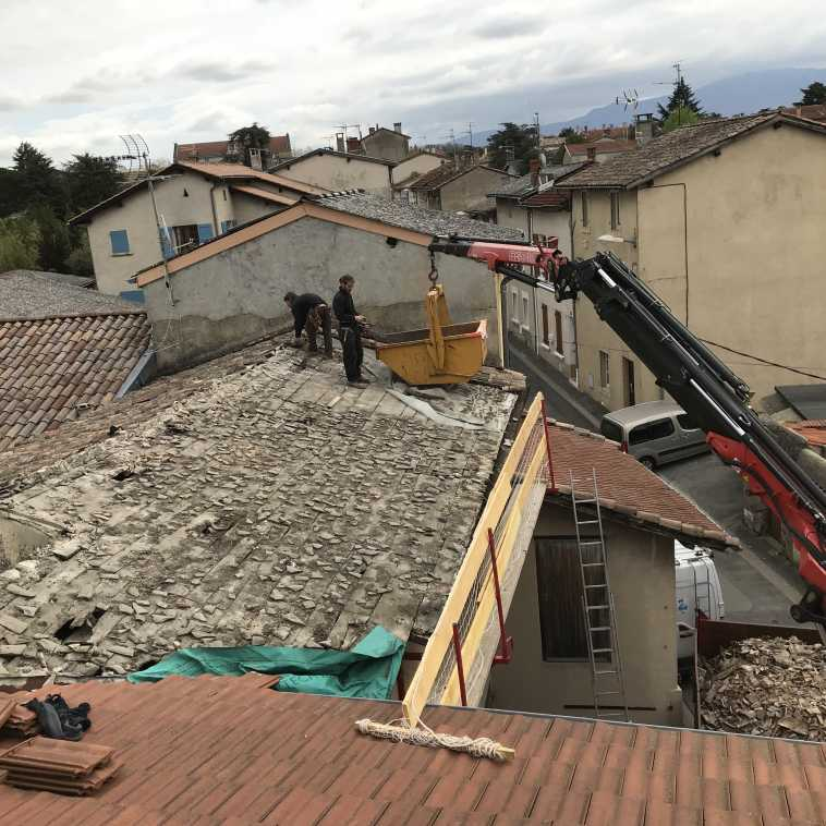 RENOVATION EVACUATION  DE TUILES