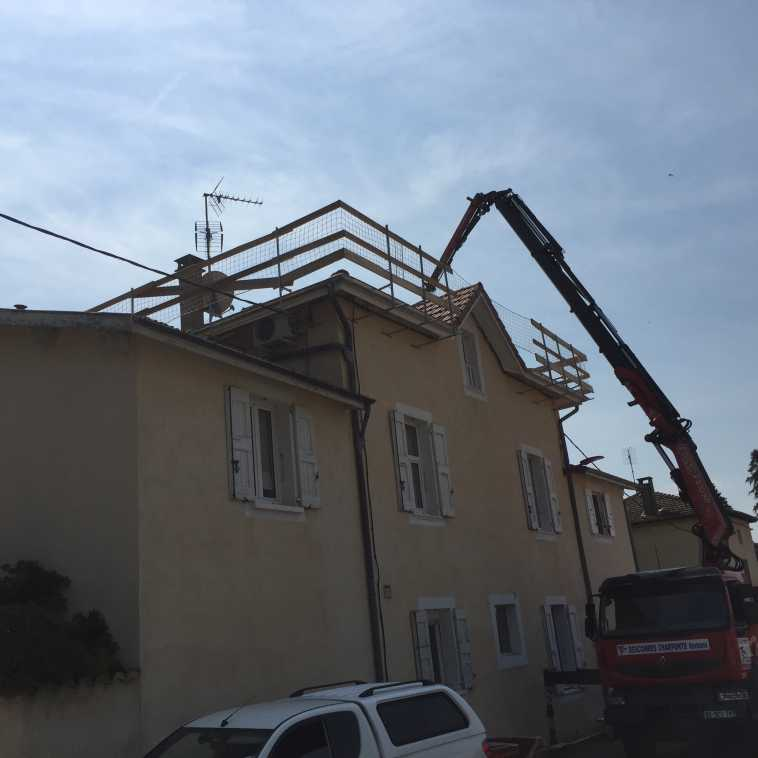 CHARPENTE RENOVATION ET PROTECTION A GENISSIEUX